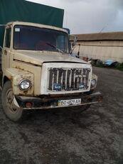 camion bâché GAZ 3307