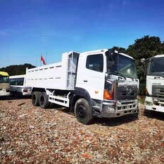 camion-benne HINO 700