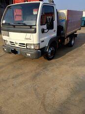 camion-benne NISSAN CABSTAR 45.13 Ribaltabile + Gru