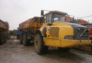 camion-benne VOLVO A 35, dumpers / tippers