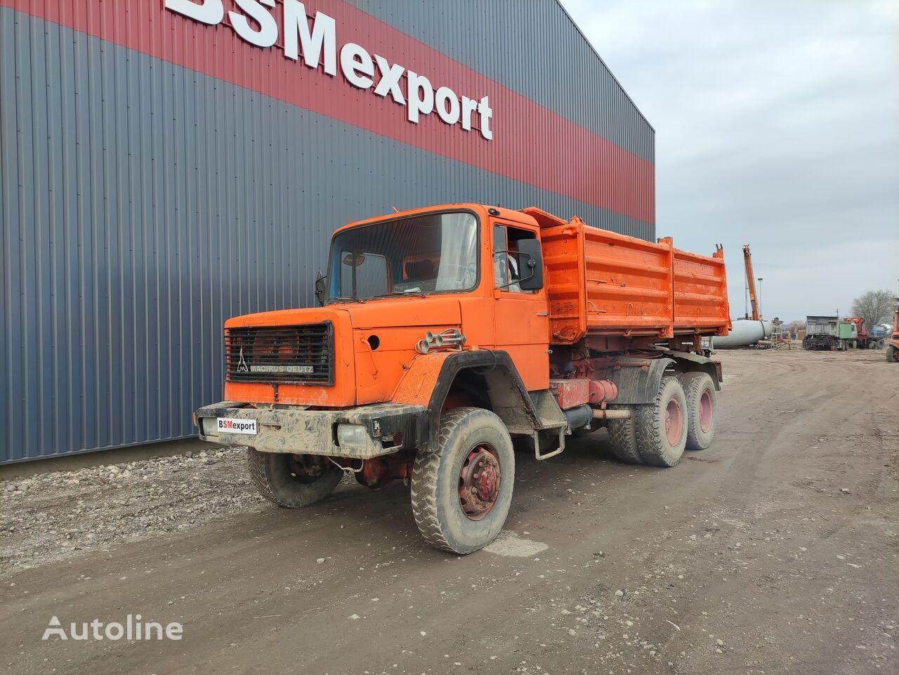 camion-benne MAGIRUS-DEUTZ M 256 D 26